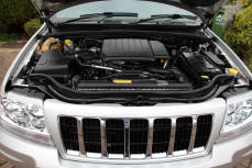 Jeep Cherokee Steam cleaning Engine Bay